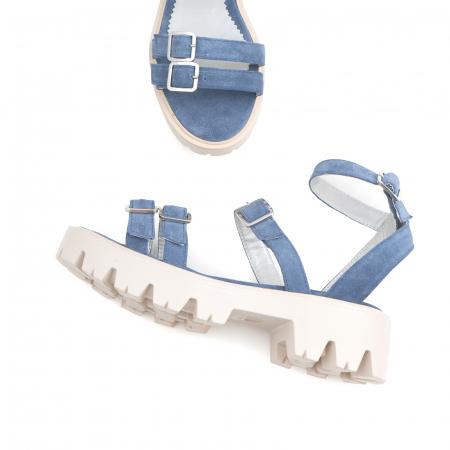 Sandale cu talpa groasa si barete cu catarame, din piele intoarsa albastru seren2
