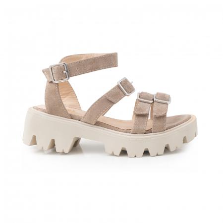 Sandale cu talpa groasa si barete cu catarame, din piele intoarsa camel0