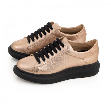 Pantofi cu talpă neagra groasă, realizati din piele naturala aurie2