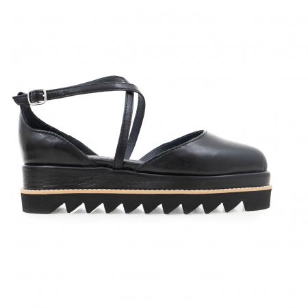 Pantofi decupati, din piele naturala neagra0