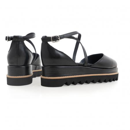 Pantofi decupati, din piele naturala neagra3