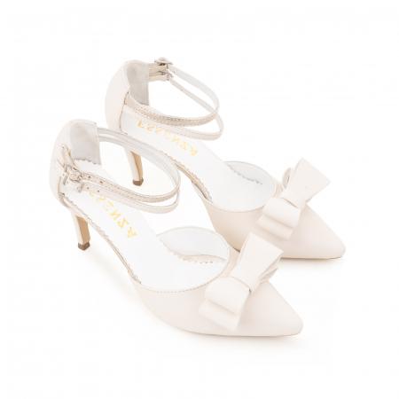 Pantofi stiletto cu funda dubla, din piele naturala alb unt si auriu pal1