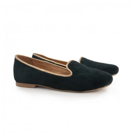 Pantofi confortabili si foarte usori, relizati din piele naturala intoarsa verde inchis, cu paspol decorativ auriu [2]