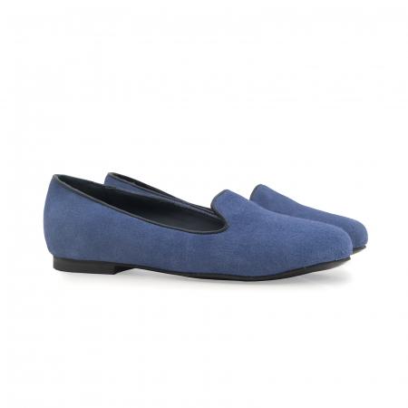 Pantofi confortabili si foarte usori, relizati din piele naturala intoarsa albastra [1]