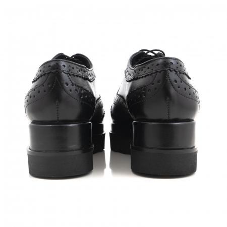 Pantofi din piele natruala neagra, cu perforatii si talpa dubla3