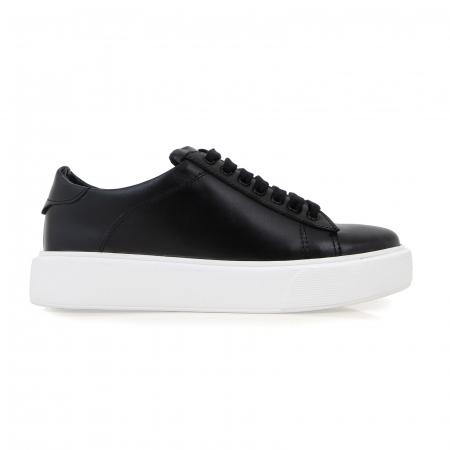 Pantofi cu talpă alba groasă, realizati din piele naturală neagra0
