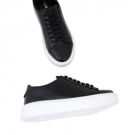 Pantofi cu talpă alba groasă, realizati din piele naturală neagra2