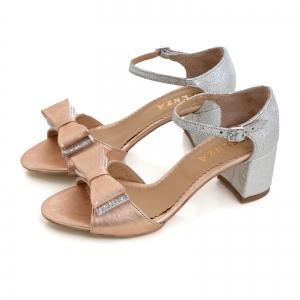 Sandale din piele laminata argintie si roze, cu funde duble.2
