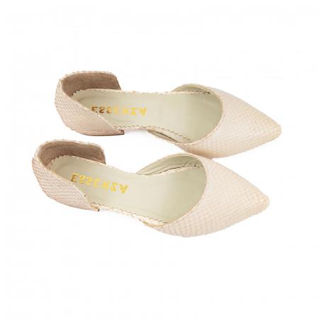 Balerini cu decupaj, din piele naturala cream cu textura tip piele de sarpe2