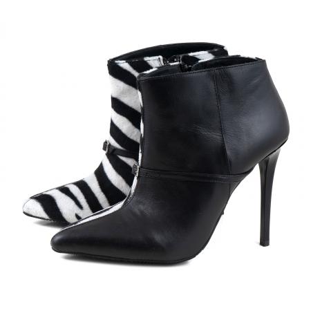 Botine Stiletto din piele neagra si piele de ponei cu animal print1
