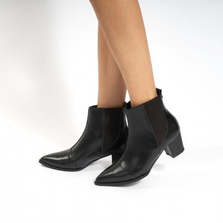 Ciocate scurte,  cu elastic, din piele naturala neagra [0]