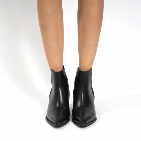 Ciocate scurte,  cu elastic, din piele naturala neagra3