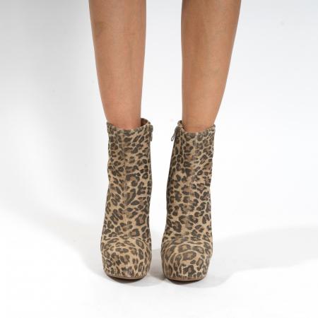 Ghete din piele naturala,animal print tip leopard,cu toc stiletto si platou interior2
