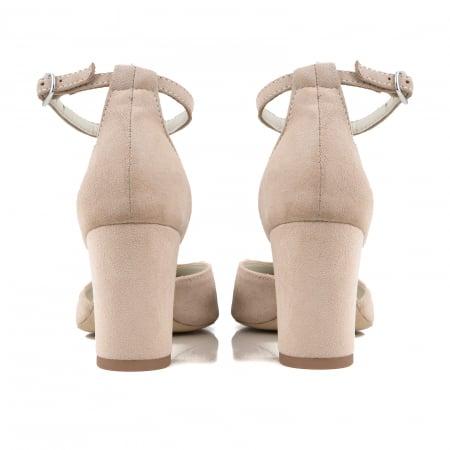 Pantofi cu decupaj si bareta la calcai, din piele intoarsa nude2