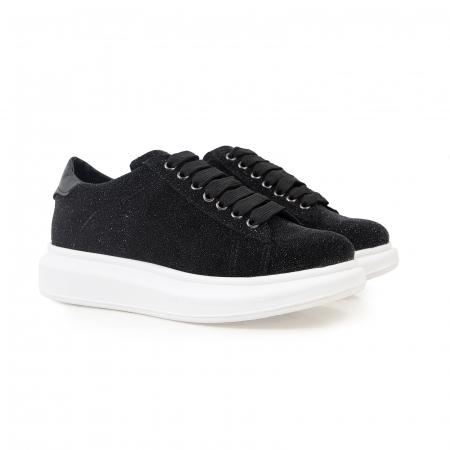 Pantofi cu talpă groasă, realizati din piele naturală neagra texturata1