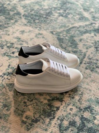Pantofi cu talpă groasă, realizati din piele naturala alba si neagra0
