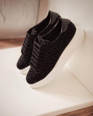 Pantofi cu talpă groasă, realizati din catifea cu animal print [2]