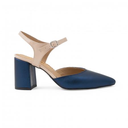 Pantofi cu varf ascutit decupati, cu bareta peste calcai, din piele nude rose si albastru laminat0
