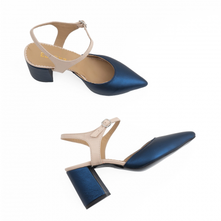 Pantofi cu varf ascutit decupati, cu bareta peste calcai, din piele nude rose si albastru laminat4