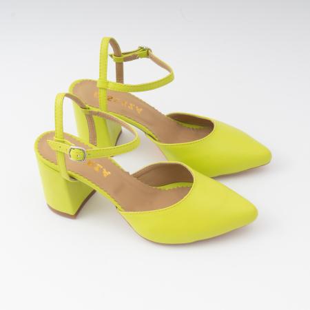 Pantofi cu varf ascutit decupati, cu barete peste calcai, din piele naturala verde neon.3