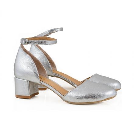 Pantofi cu varf rotund cu decupaj si bareta la calcai, din piele laminata argintie [1]