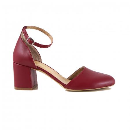 Pantofi cu varf rotund, cu decupaj si bareta la calcai, din piele naturala rosu inchis0