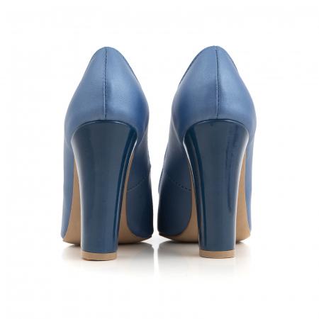 Pantofi cu varf semiascutit, din piele albastru sidef si albastru lacuit2