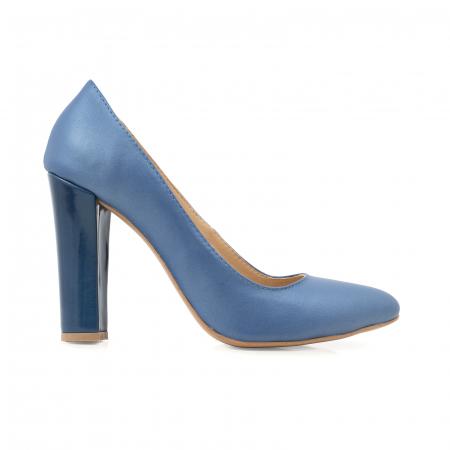 Pantofi cu varf semiascutit, din piele albastru sidef si albastru lacuit0