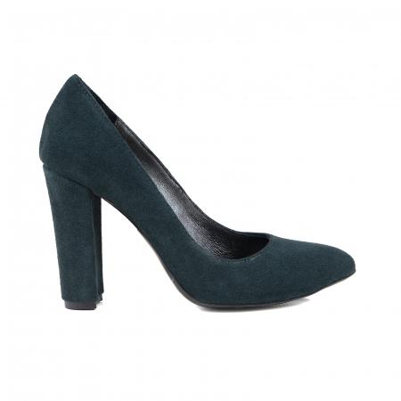 Pantofi cu varf semiascutit, din piele intoarsa neagra, cu captusala din piele,si varf ascutit0