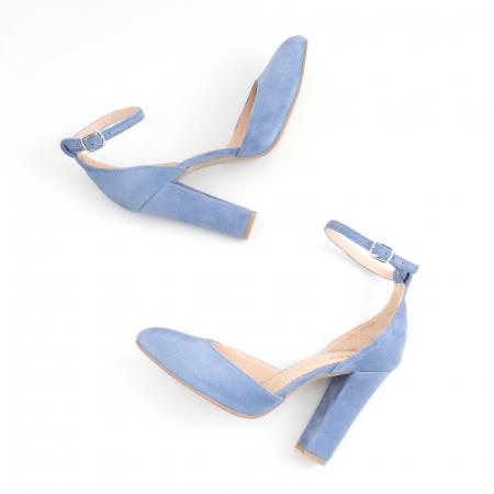 Pantofi din piele intoarsa albastru deschis, cu varf semi-ascutit si decupaj interior si exterior [3]