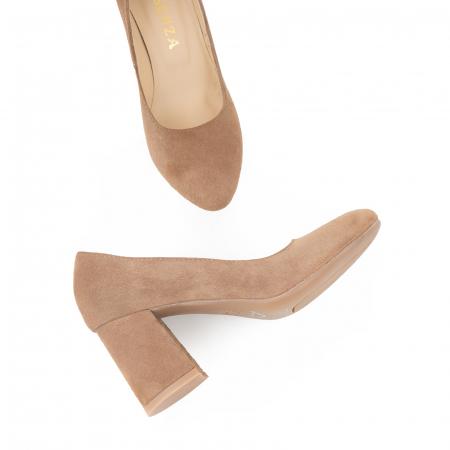 Pantofi din piele naturala intoarsa, roz- somon, cu toc patrat si varf rotinjit1