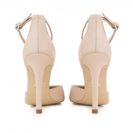 Pantofi din piele naturala, nude rose, cu varf ascutit si decupaj interior si exterior.4