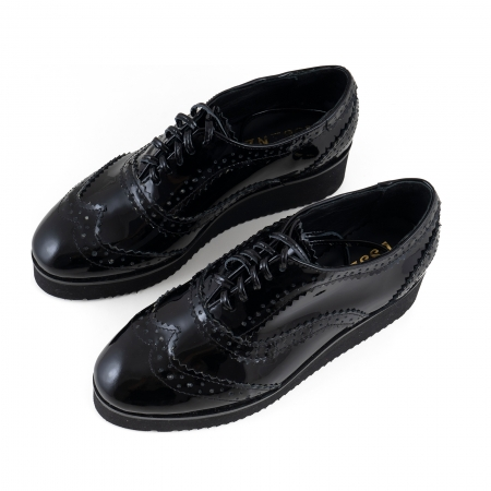 Pantofi oxford, din piele lacuita neagra3