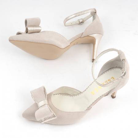 Pantofi stiletto decupati, din piele intoarsa off white si piele laminata aurie. [4]