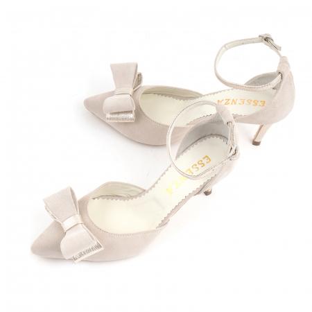 Pantofi stiletto decupati, din piele intoarsa off white si piele laminata aurie. [3]