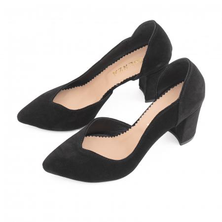 Pantofi stiletto din piele intoarsa neagra, cu decupaj interiorintr-o linie eleganta1