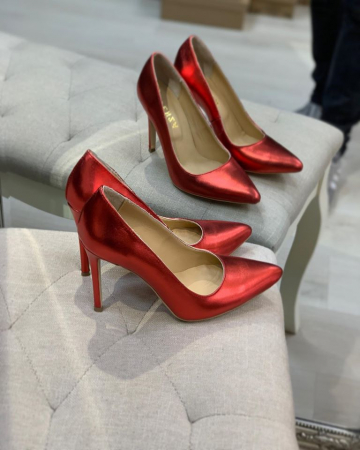 Pantofi Stiletto din piele laminata rosie, cu captusala din piele,si varf ascutit [1]