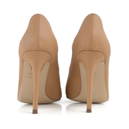 Pantofi Stiletto din piele naturala nude3