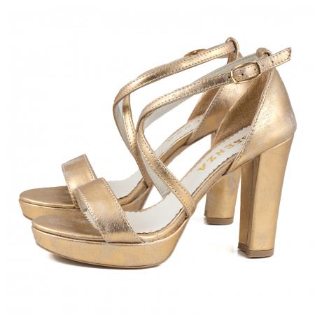 Sandale cu barete in x, din piele laminata, auriu ptina1