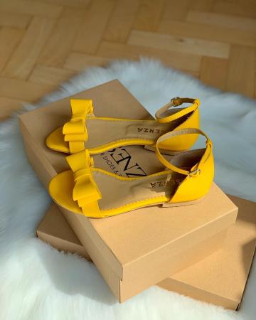 Sandale cu fundite, din piele naturala galbena [2]
