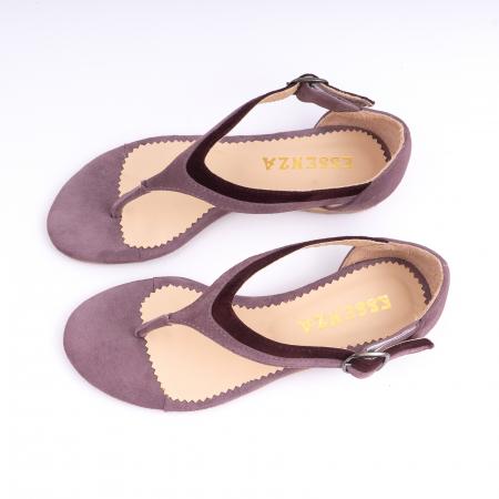 Sandale cu talpa joasa, cu bareta intre degete, din piele intoarsa lila si mov pruna1