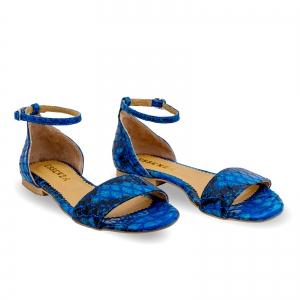 Sandale cu talpa joasa, din piele lacuita in nuante de albastru cu textura de piele de sarpe1