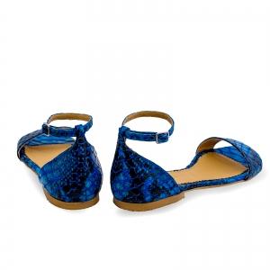 Sandale cu talpa joasa, din piele lacuita in nuante de albastru cu textura de piele de sarpe2