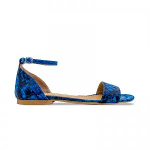 Sandale cu talpa joasa, din piele lacuita in nuante de albastru cu textura de piele de sarpe0