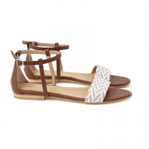 Sandale cu talpa joasa, din piele maron si piele alb/beige1