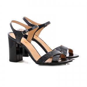 Sandale cu toc gros, din piele lacuita neagra [1]
