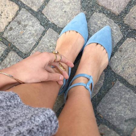 Sandale cu varf ascutit , din piele naturala intoarsa albastru-seren0