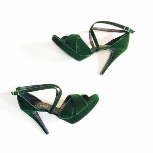 Sandale din catifea verde2