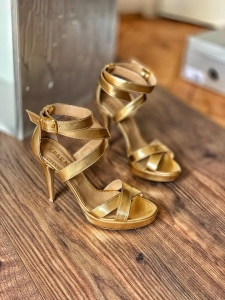 Sandale din piele aurie [0]