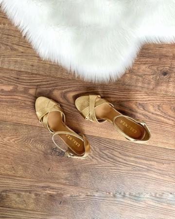 Sandale din piele aurie, cu toc gros1